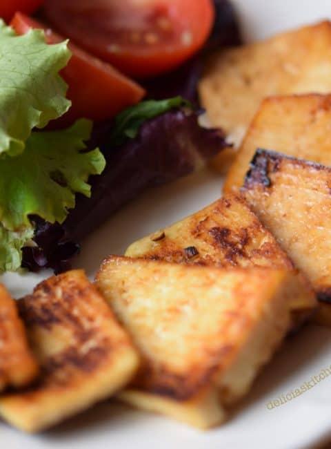 Tofu marinado con soja y miel