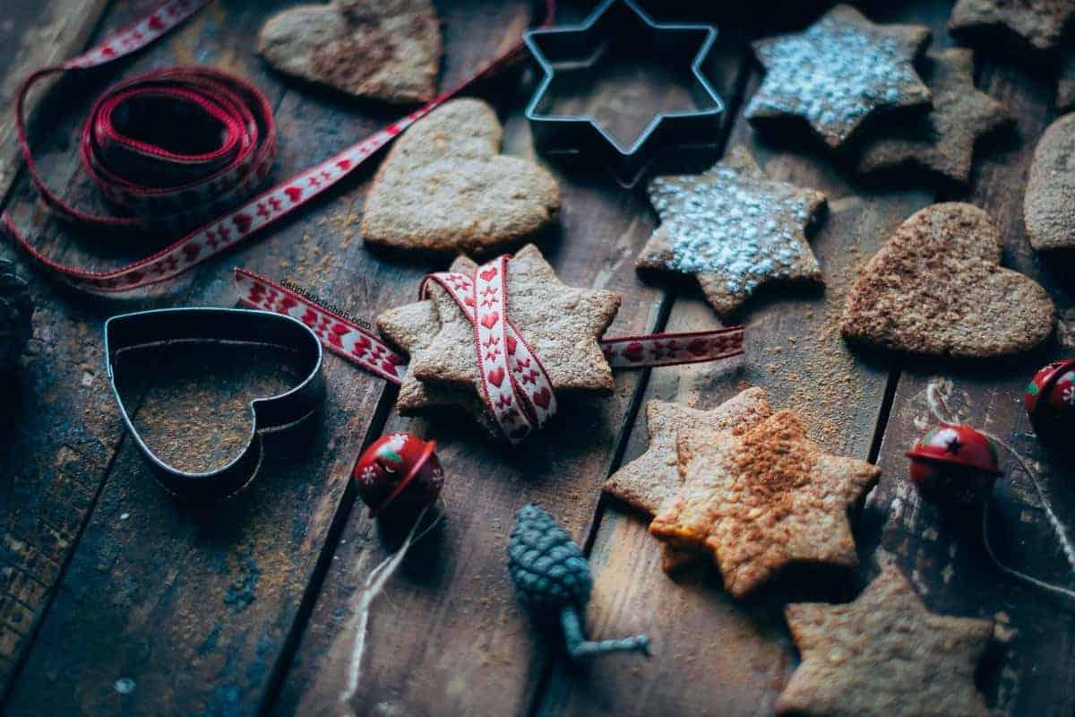 Galletas de espelta y canela navideñas