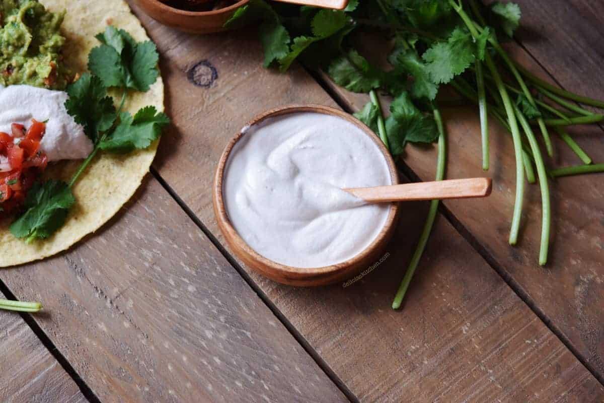Crema agria de anacardos