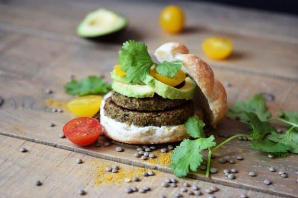 Hamburguesa de lentejas, cebada y curry