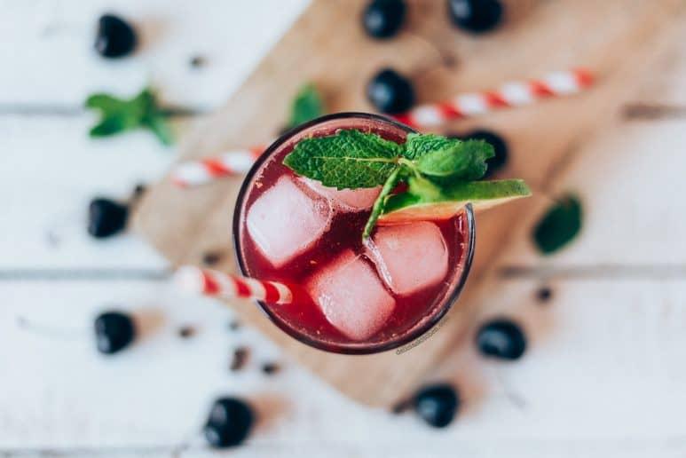 Mocktail de cerezas y pimienta de Jamaica 3