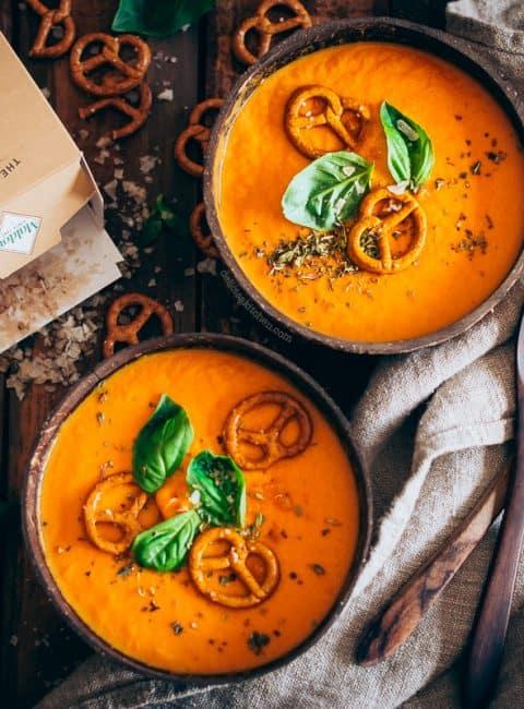 Sopa de tomate cremosa con escamas de sal ahumada Maldon 4