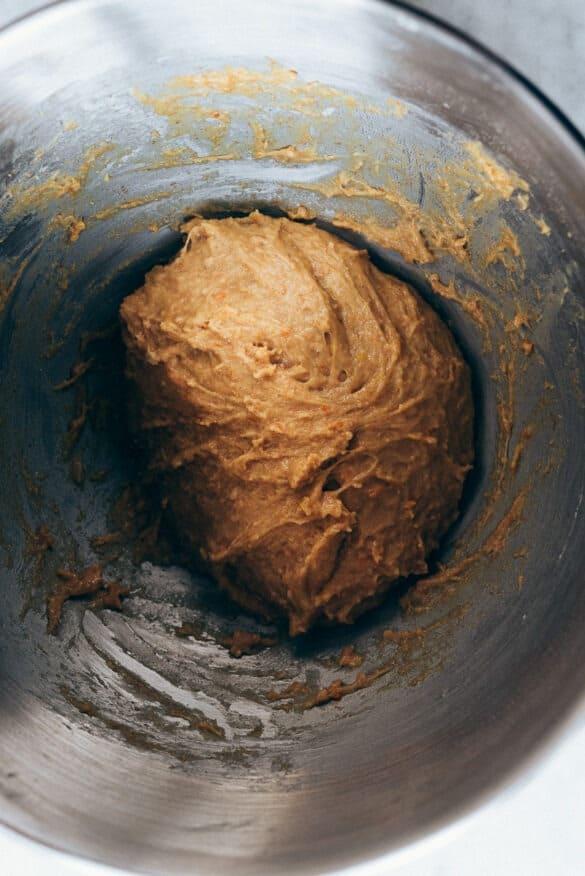 Ingredientes coca Sant Joan amasados en el bol
